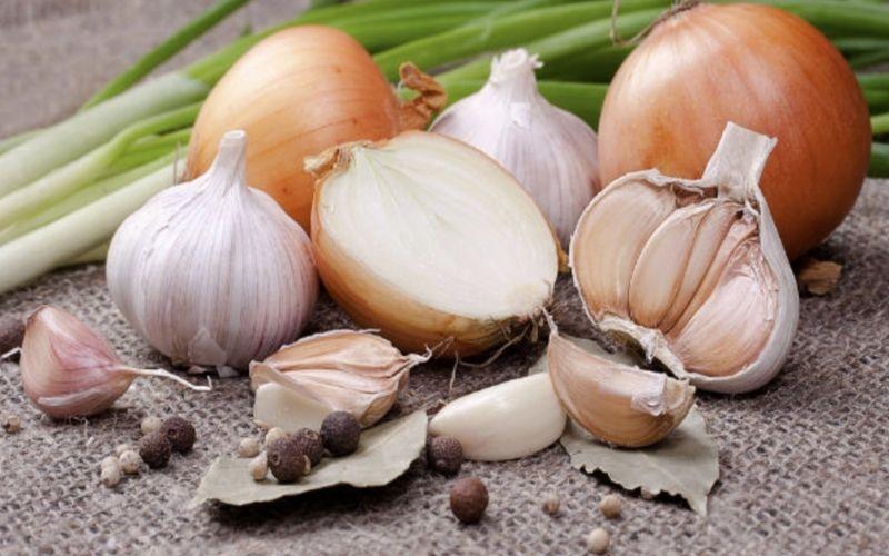 Hạn chế những loại thực phẩm, gia vị nặng mùi