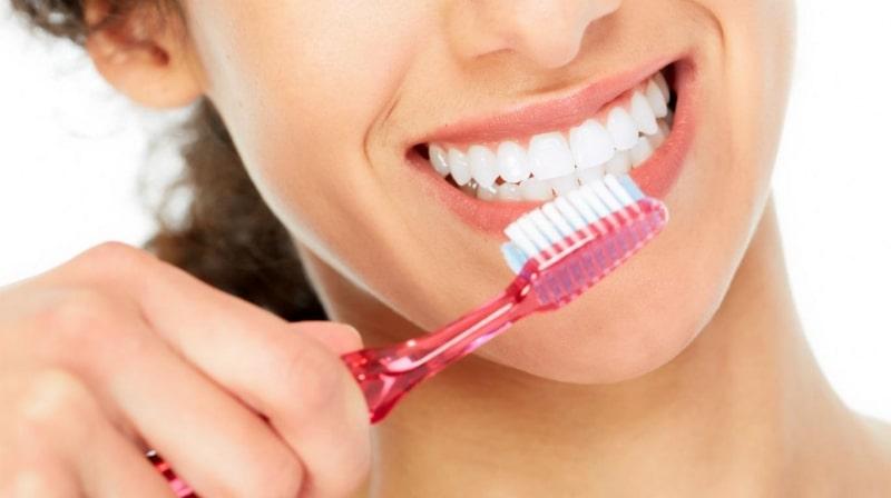Bạn cần phải vệ sinh răng miệng cẩn thận nếu quyết định không nhổ răng 8