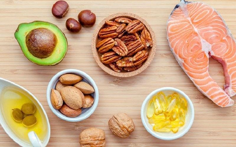 Chất béo giúp bé có đủ dinh dưỡng hỗ trợ quá trình mọc răng nhanh hơn