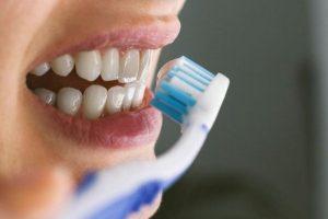 Cần lưu ý cách vệ sinh răng miệng để trị hôi miệng