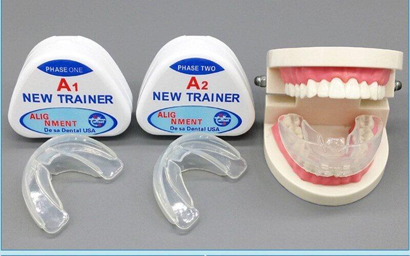 Với nhiều loại hàm trên thị trường, bạn cần căn cứ vào độ tuổi và tình trạng răng để lựa chọn hàm Trainer phù hợp