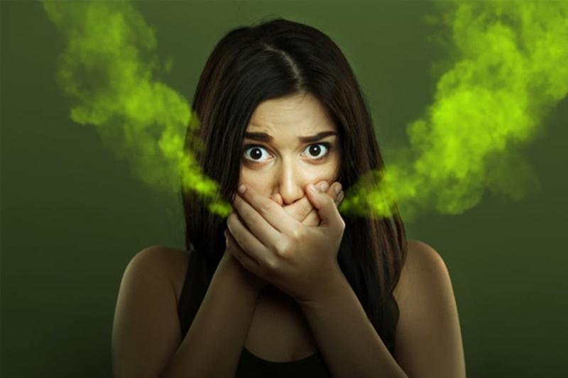 Bạn có thể chữa hôi miệng bằng phương pháp dân gian, Đông y hoặc Tây y.