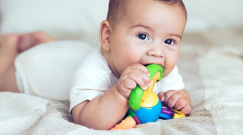 Bệnh nấm miệng lây truyền qua đồ chơi