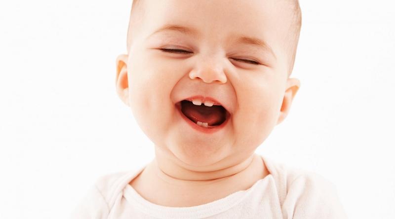 Trẻ chậm mọc răng do thiếu canxi