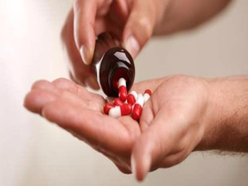 Sử dụng thuốc kháng sinh thường xuyên sẽ khiến người bệnh tăng nguy cơ bi viêm lợi