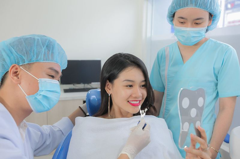 Liệu trình bọc răng sứ ở bệnh viện Răng Hàm Mặt trải qua 4 bướcLiệu trình bọc răng sứ ở bệnh viện Răng Hàm Mặt trải qua 4 bước