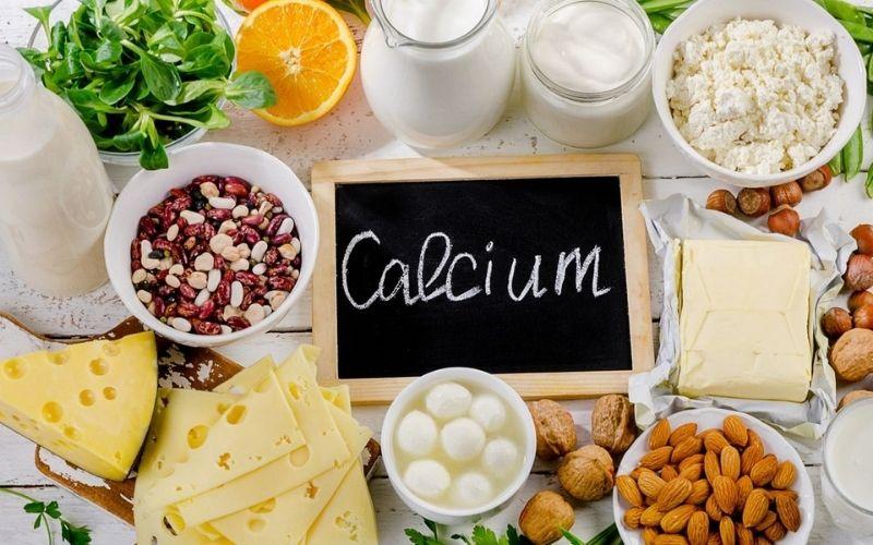 Sau khi bọc răng sứ cho răng khểnh, người bệnh nên bổ sung vào chế độ ăn thực phẩm giàu canxi