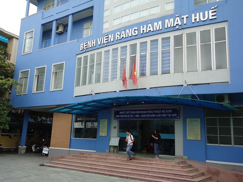 Khách hàng có thể lựa chọn bọc răng tại bệnh viện Răng Hàm Mặt Thừa Thiên Huế