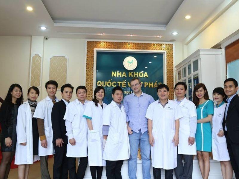 Nha khoa Việt Pháp Đà Nẵng sở hữu đội ngũ y bác sĩ kinh nghiệm