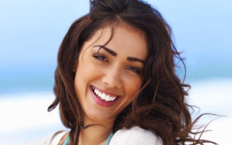 Sử dụng răng toàn sứ Venus mang lại nụ cười tự tin, tỏa sáng cho bạn