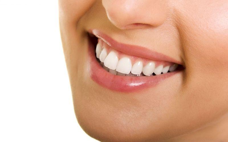 Dòng răng sứ có ưu điểm nổi bật là tính thẩm mỹ cao