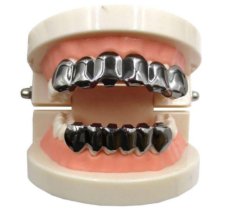Bọc răng bạc cũng có các ưu và nhược điểm nhất định