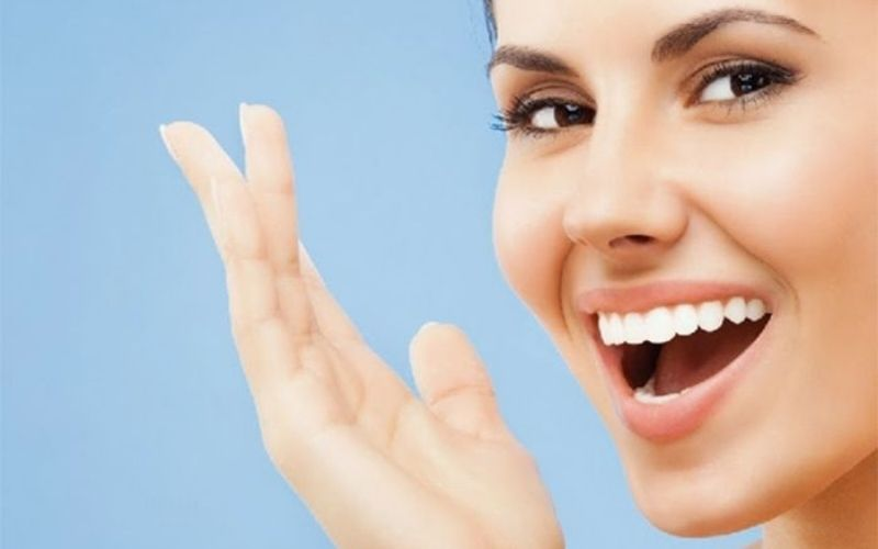 Bọc răng sứ có bị hôi miệng không là băn khoăn và lo lắng của nhiều người