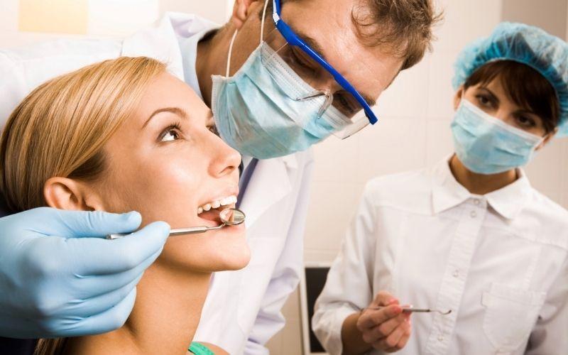 Trồng răng thẩm mỹ được thực hiện khá nhanh chóng