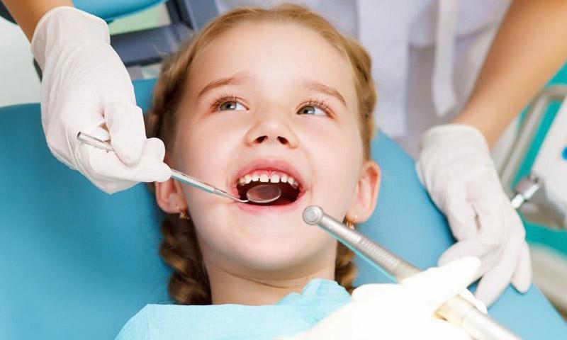Nhổ răng sữa cho trẻ bao nhiêu tiền tùy thuộc từng phòng khám nha khoa