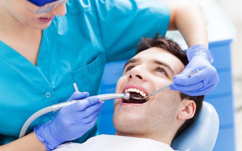 Quy trình trồng răng sứ với cấy ghép implant