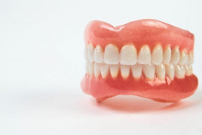 Về cơ bản răng sứ có giá từ vài triệu cho đến hàng chục triệu đồng